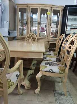 Lovely dining set with Cupboard