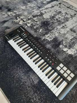 M-Audio Oxygen 49 with drum pads
