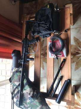 Tippman A5 stealth painball gun with extras