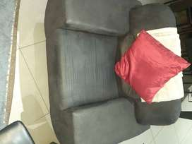 Absolutely stunning 1 seater lounge suite