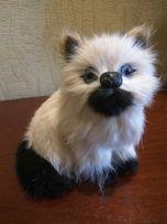 Пушистая кошка статуэтка декор