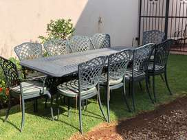 10 seater Cast Aluminium outdoor set with cushions