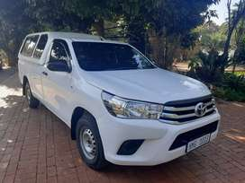2016 toyota hilux 2.4 gd6 with a canopy