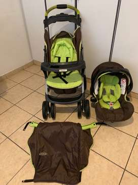Graco Ultima Travelling set Car seat and Stroller