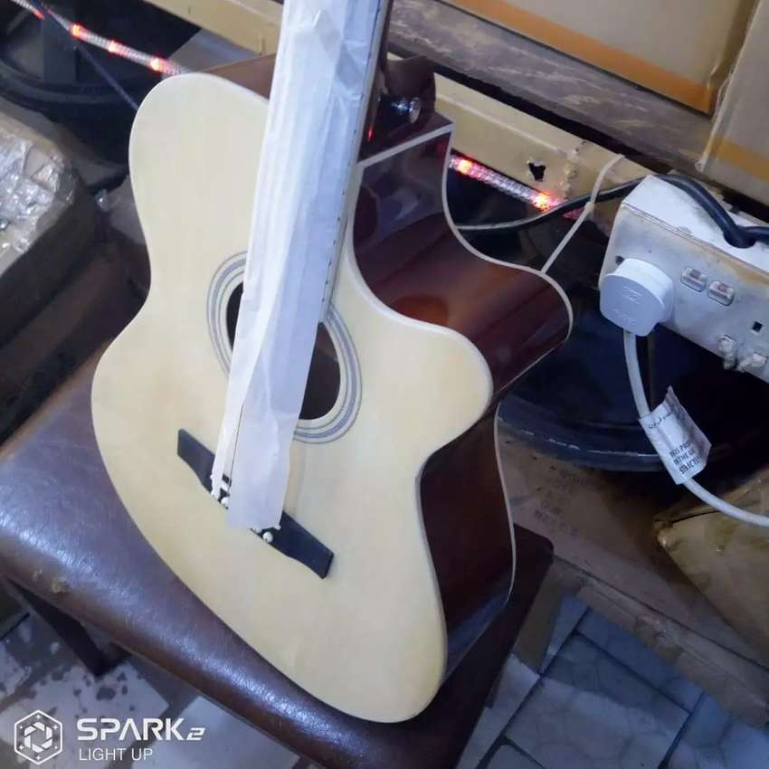 Brand new Acoustic guitar 0