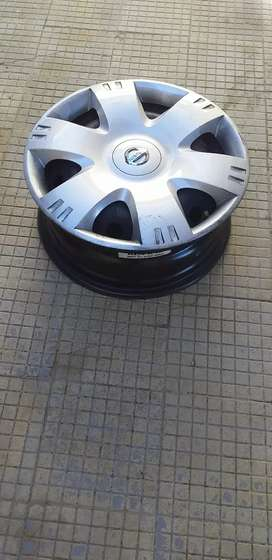 Np200 wheelcover and Rims X 4