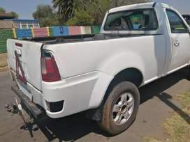 Tata Decor Xenon 2.0D stripping for spares and body accessories.