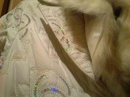Нарядное пальто-пуховик, состояние нового