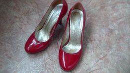 Туфли женские лаковые красные