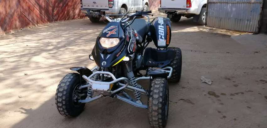 Can-Am ds650x Bombardier 0