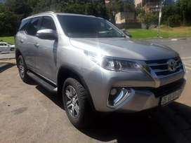 2018 Toyota Fortuner,automatic, leather interior, 83,000km,servicebook