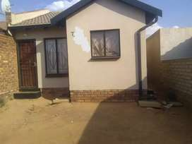 2 bedroom house to rent in Soshanguve Block VV