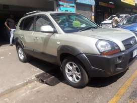 Hyundai Tucson 1.6 R 80,000 Negotiable