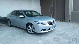 2012 Honda Accord 2L Vtec-Automatic. Well maintained and BARGAIN