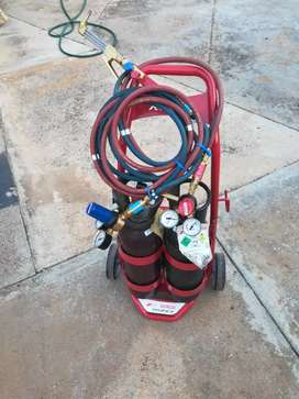 Afrox porta pack complete with full cylinders and brand new