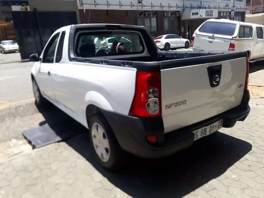 Nissan NP200  1.6speed  R 85.000 Negotiable