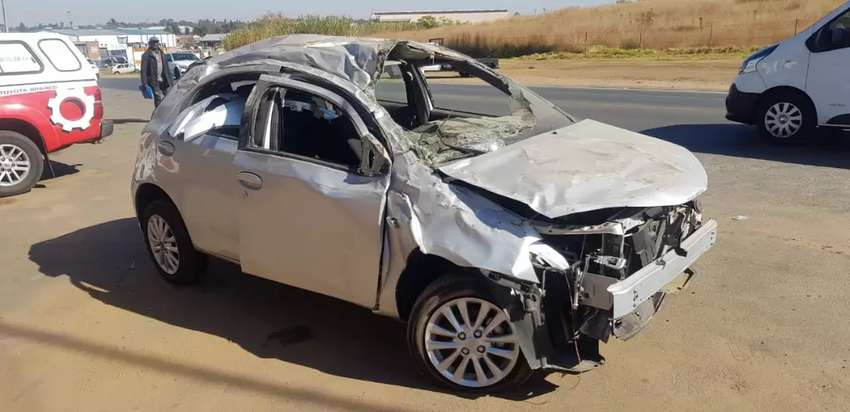 We buy any accident or non runners cars for cash 0