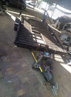 Vehicle towing trailer