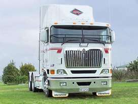 International 9800 Stripping for spares!!!