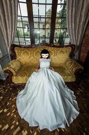 Шикарное атласное платье жемчужного цвета Киев - изображение 2