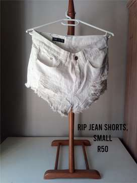 Jean shorts and Black tie for sale