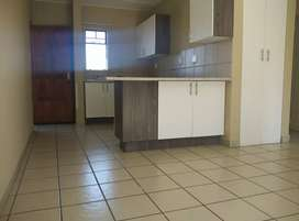 2 bedrooms, 1bath apartment at Rooihuiskraal Centurion near Mall @Reds