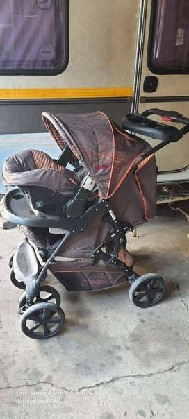 Pram with car seat for sale chelino