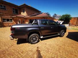 Mitsubishi Triton Rol bar and Tarp