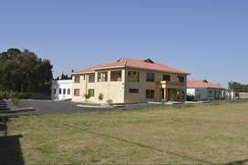 Double story office space to let in Benoni Small Farms