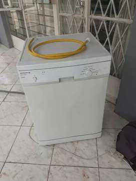Kelvinator Dishwasher
