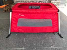 phil&teds Portable Travel Cot