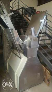 Pastry rooll/ sheeters semi automatic in good condition 0