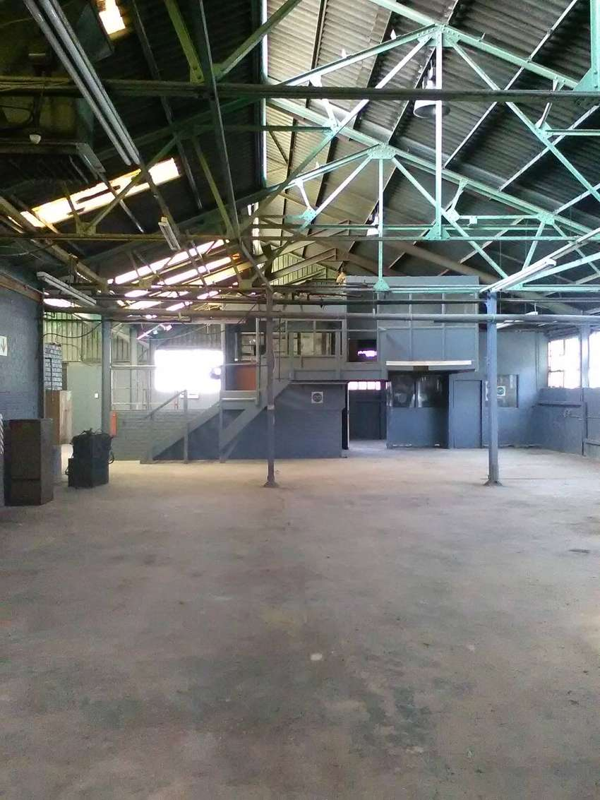 1 600m2 building on 7 200m2 yard for sale in Alrode 0