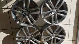 17inch vw rims for sale in very good condition