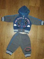 Теплый костюм на мальчика 74р