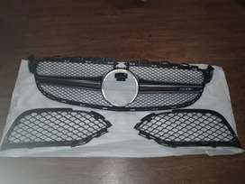 W205 mercedes C63 AMG grill with left and right air inlets.