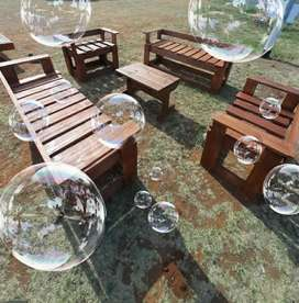 Beautiful 4 piece patio set with coffee table