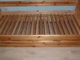 łózko drewniane