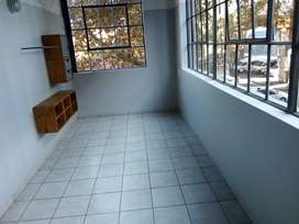 Looking for a room to share in Cape Town R2000 pm