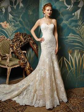 Elegant Joselina wedding dress by Enzoani