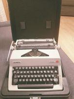 Piękna maszyna do pisania Olimpia Monica