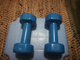 Gym items for sale:  Golds gym 2x2.5kg and Mr Price  2x 4kg weights