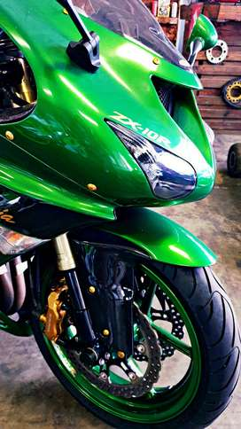 KAWASAKI ZX-10R SUPERBIKE FOR SALE