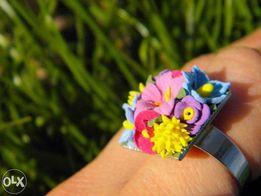 Кольцо с цветами из полимерной глины