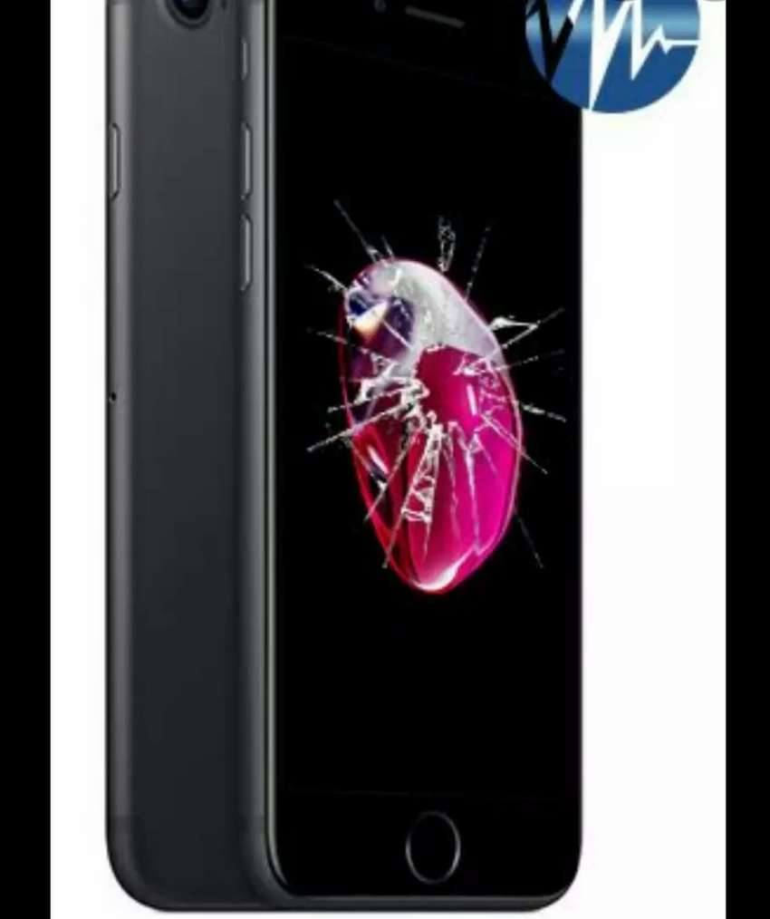 iPhone 7 Cracked screen repairs now R450 0