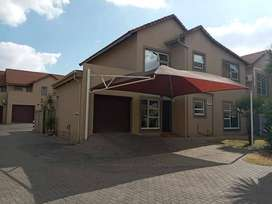 3 Bed Townhouse for sale in Vanderbijlpark