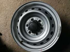 For sale a set of new Ford ranger original mag rims x4 and steel rims