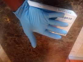 Nitrile disposable gloves powered free