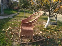 кресло-качалка плетеное новое