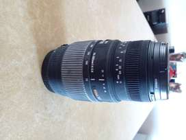 SIGMA DG MACRO lens. 70-300 F4-5.6 in as new condition for sale.